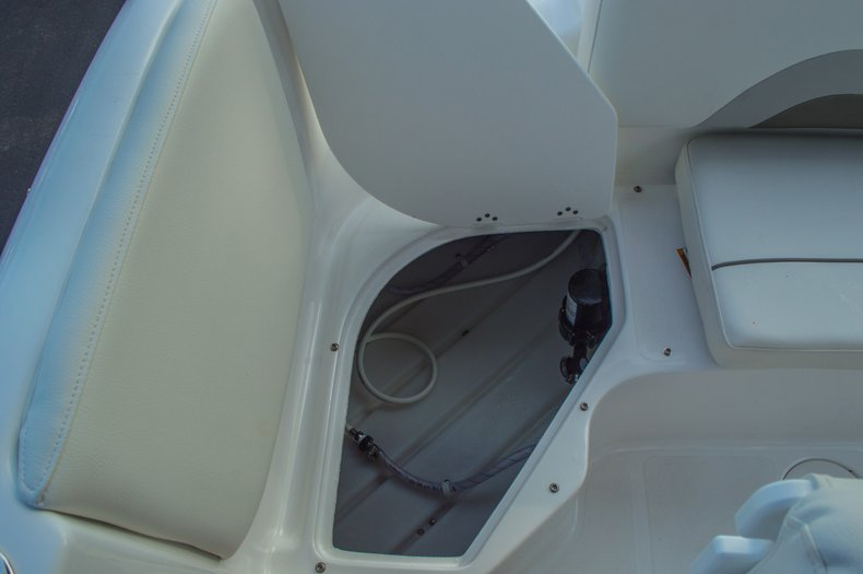 Thumbnail 15 for New 2016 Hurricane CC211 Center Consle boat for sale in West Palm Beach, FL
