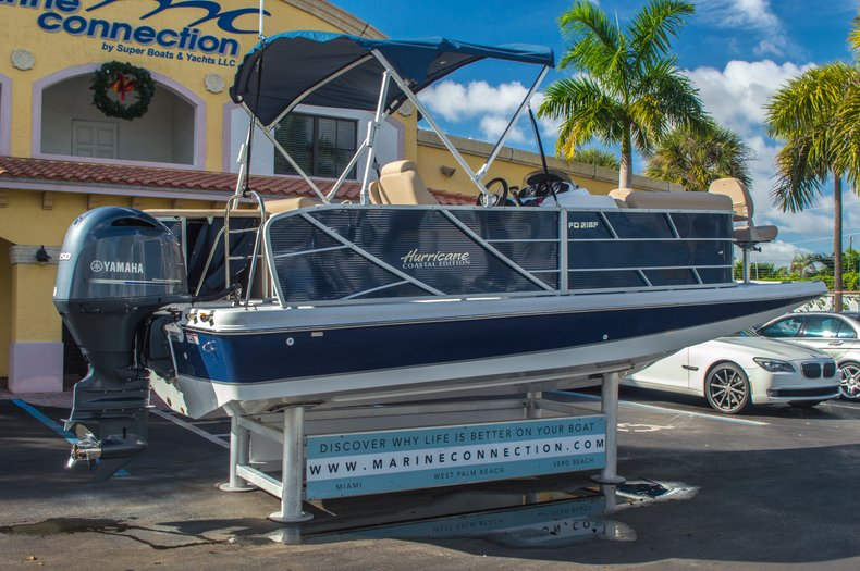 Thumbnail 7 for New 2016 Hurricane FunDeck FD 216 OB boat for sale in West Palm Beach, FL