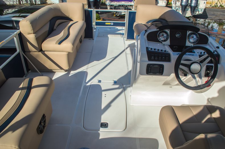 Thumbnail 9 for New 2016 Hurricane FunDeck FD 216 OB boat for sale in West Palm Beach, FL