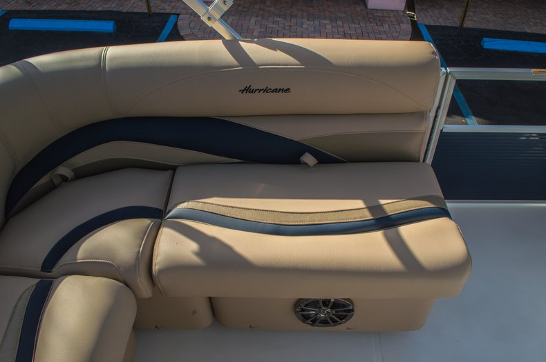 Thumbnail 16 for New 2016 Hurricane FunDeck FD 216 OB boat for sale in West Palm Beach, FL