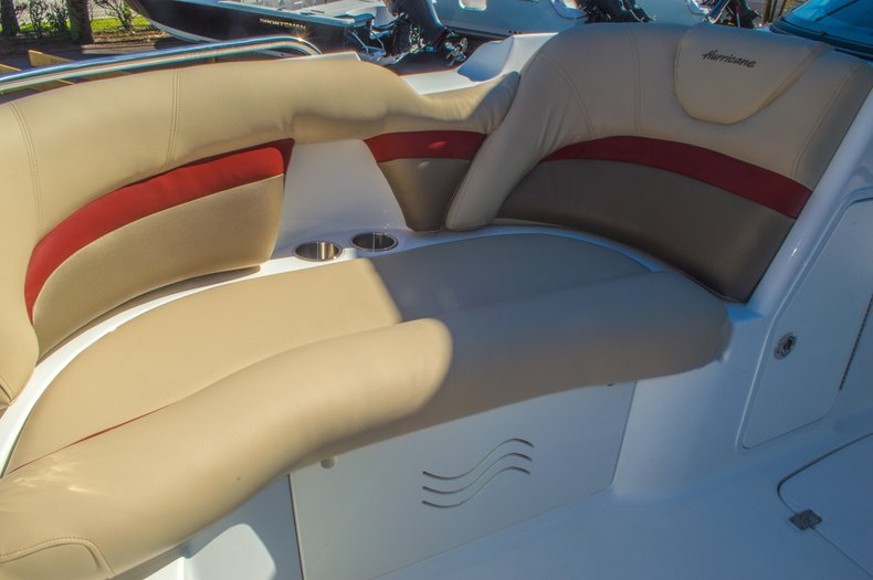 Thumbnail 47 for New 2016 Hurricane SunDeck SD 2200 OB boat for sale in West Palm Beach, FL