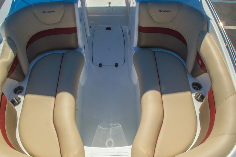 Thumbnail 49 for New 2016 Hurricane SunDeck SD 2200 OB boat for sale in West Palm Beach, FL