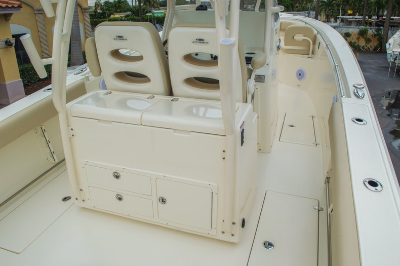 Thumbnail 18 for New 2016 Cobia 296 Center Console boat for sale in West Palm Beach, FL