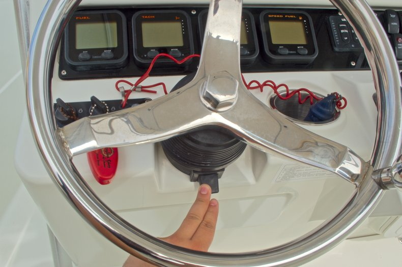 Thumbnail 38 for Used 2008 Sailfish 2660 CC Center Console boat for sale in West Palm Beach, FL
