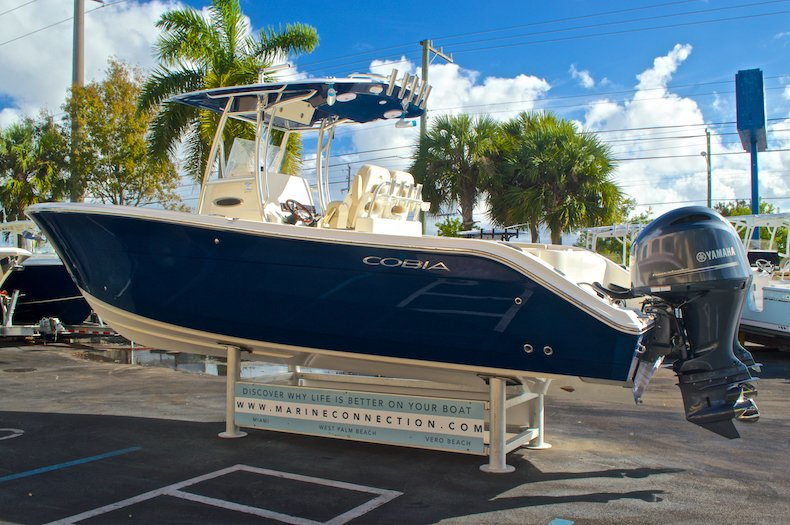 Thumbnail 5 for New 2016 Cobia 277 Center Console boat for sale in West Palm Beach, FL