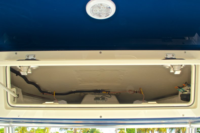 Thumbnail 25 for New 2016 Cobia 277 Center Console boat for sale in West Palm Beach, FL
