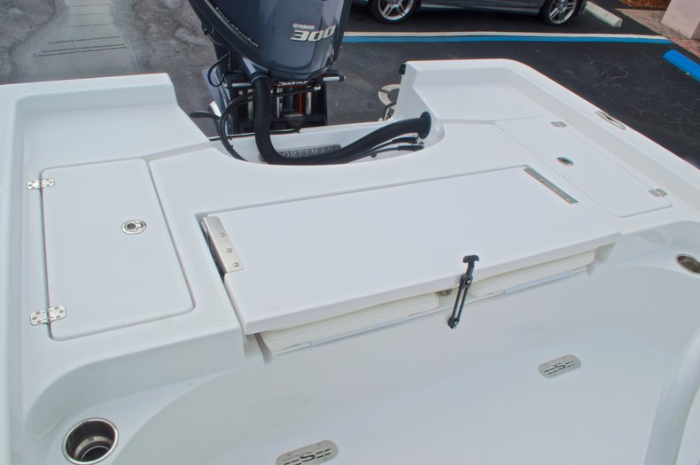 Thumbnail 15 for New 2015 Sportsman Masters 247 Bay Boat boat for sale in West Palm Beach, FL
