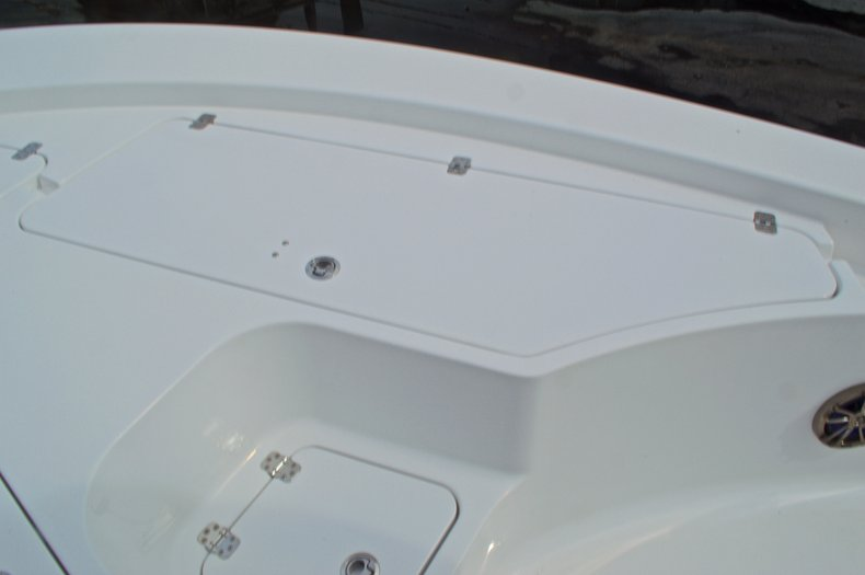 Thumbnail 58 for New 2015 Sportsman Masters 247 Bay Boat boat for sale in West Palm Beach, FL