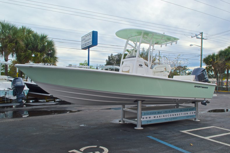 Thumbnail 4 for New 2015 Sportsman Masters 247 Bay Boat boat for sale in West Palm Beach, FL
