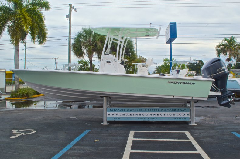 Thumbnail 5 for New 2015 Sportsman Masters 247 Bay Boat boat for sale in West Palm Beach, FL