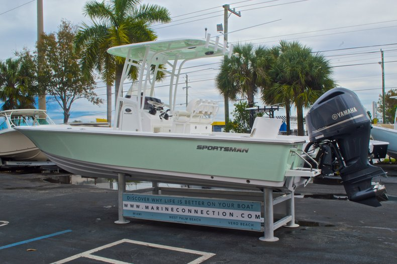 Thumbnail 6 for New 2015 Sportsman Masters 247 Bay Boat boat for sale in West Palm Beach, FL