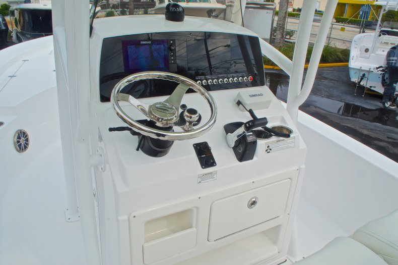 Thumbnail 29 for New 2015 Sportsman Masters 247 Bay Boat boat for sale in West Palm Beach, FL