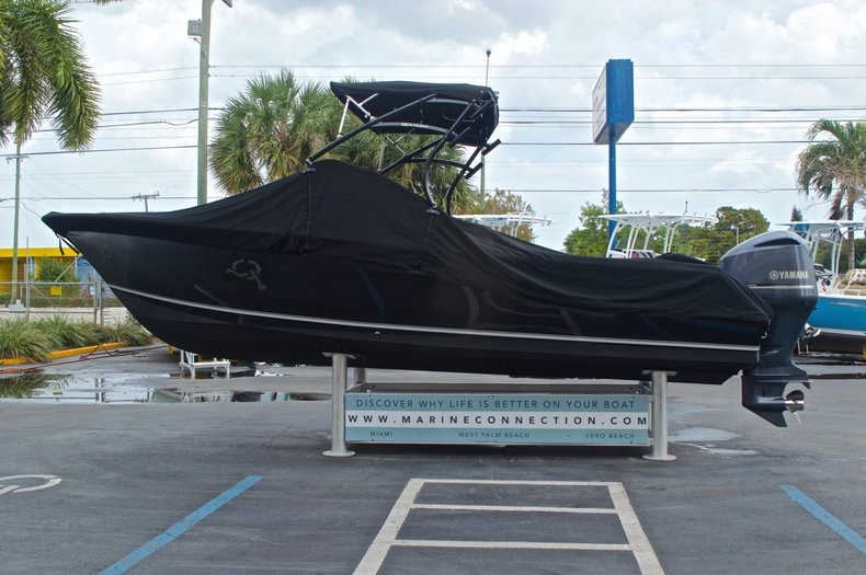 Thumbnail 17 for Used 2013 Sea Hunt Escape 234 DC boat for sale in West Palm Beach, FL
