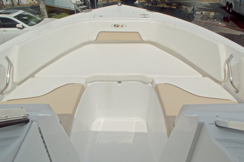 Thumbnail 25 for Used 2013 Sea Hunt Escape 234 DC boat for sale in West Palm Beach, FL