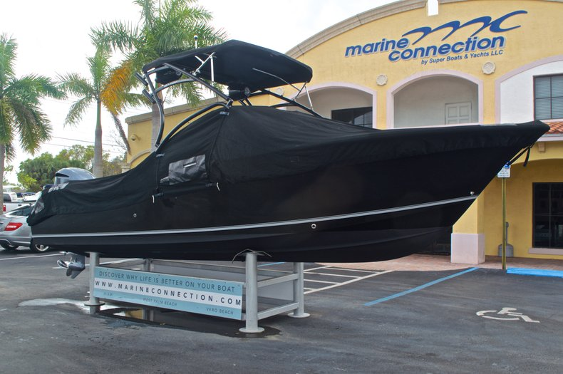 Thumbnail 14 for Used 2013 Sea Hunt Escape 234 DC boat for sale in West Palm Beach, FL
