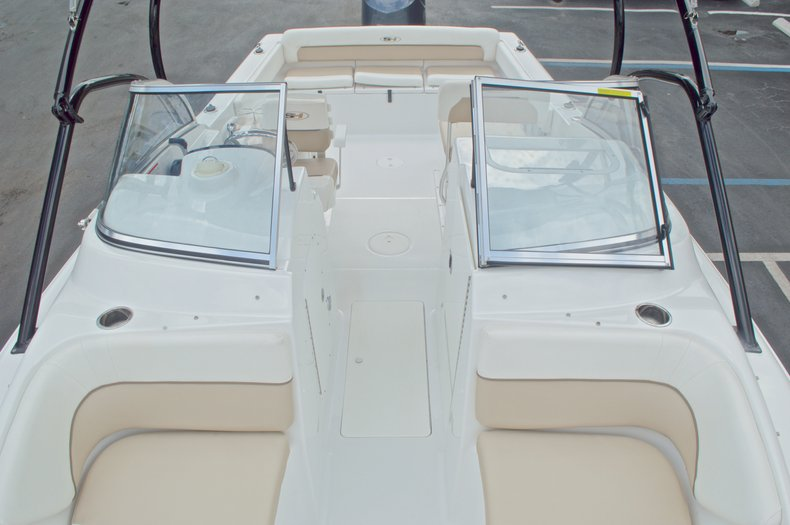 Thumbnail 42 for Used 2013 Sea Hunt Escape 234 DC boat for sale in West Palm Beach, FL