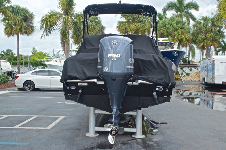 Thumbnail 19 for Used 2013 Sea Hunt Escape 234 DC boat for sale in West Palm Beach, FL