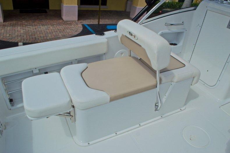 Thumbnail 60 for Used 2013 Sea Hunt Escape 234 DC boat for sale in West Palm Beach, FL