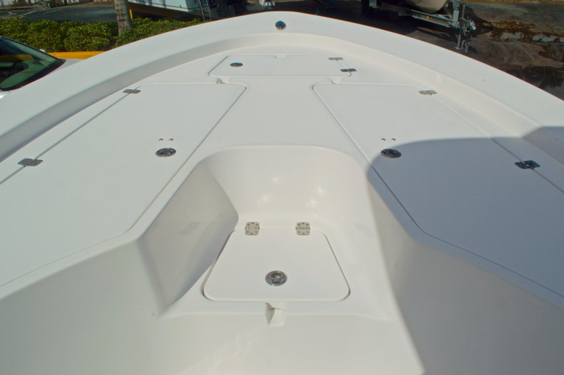 Thumbnail 40 for New 2014 Sportsman Masters 247 Bay Boat boat for sale in West Palm Beach, FL
