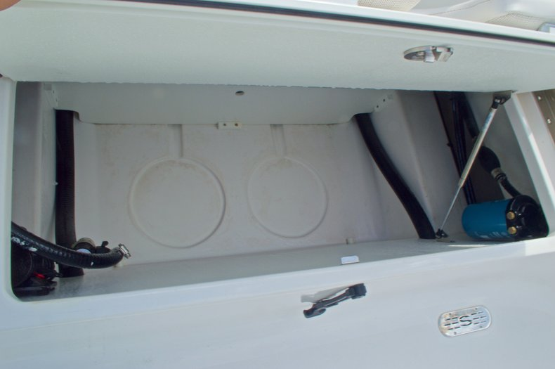 Thumbnail 20 for New 2014 Sportsman Masters 247 Bay Boat boat for sale in West Palm Beach, FL