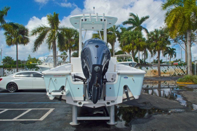Thumbnail 5 for New 2014 Sportsman Masters 247 Bay Boat boat for sale in West Palm Beach, FL