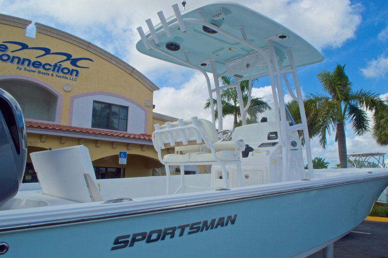 Thumbnail 7 for New 2014 Sportsman Masters 247 Bay Boat boat for sale in West Palm Beach, FL