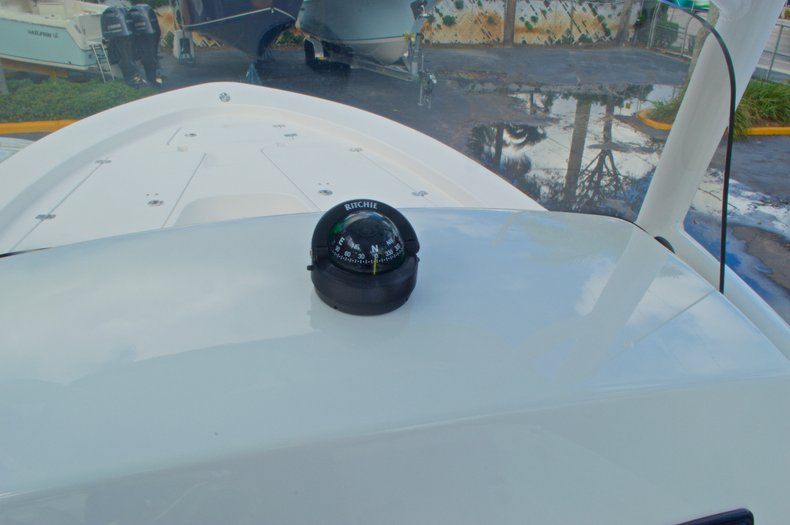 Thumbnail 27 for New 2014 Sportsman Masters 247 Bay Boat boat for sale in West Palm Beach, FL