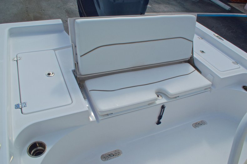 Thumbnail 12 for New 2014 Sportsman Masters 247 Bay Boat boat for sale in West Palm Beach, FL