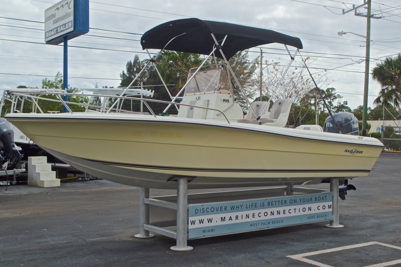 Thumbnail 4 for Used 2007 Sailfish 198 Center Console boat for sale in West Palm Beach, FL