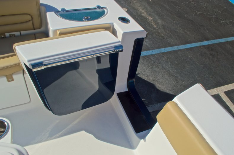 Thumbnail 31 for New 2016 Sportsman Heritage 251 Center Console boat for sale in West Palm Beach, FL