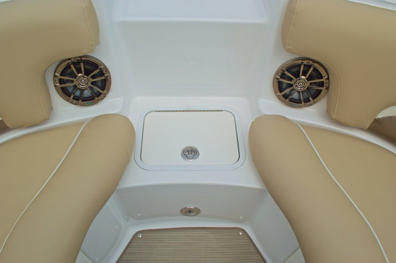 Thumbnail 48 for New 2016 Hurricane SunDeck SD 2200 OB boat for sale in West Palm Beach, FL