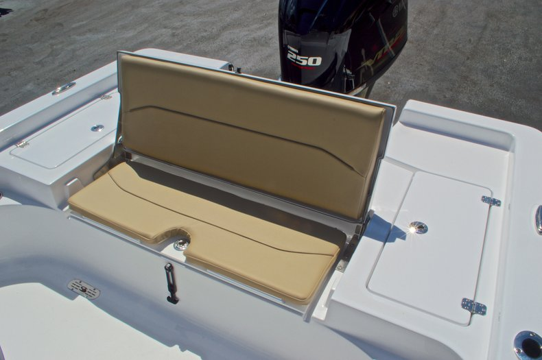 Thumbnail 16 for New 2016 Sportsman Masters 247 Bay Boat boat for sale in West Palm Beach, FL