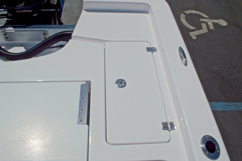 Thumbnail 18 for New 2016 Sportsman Masters 247 Bay Boat boat for sale in West Palm Beach, FL