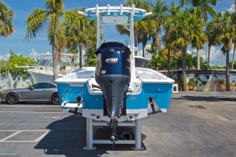 Thumbnail 7 for New 2016 Sportsman Masters 247 Bay Boat boat for sale in West Palm Beach, FL