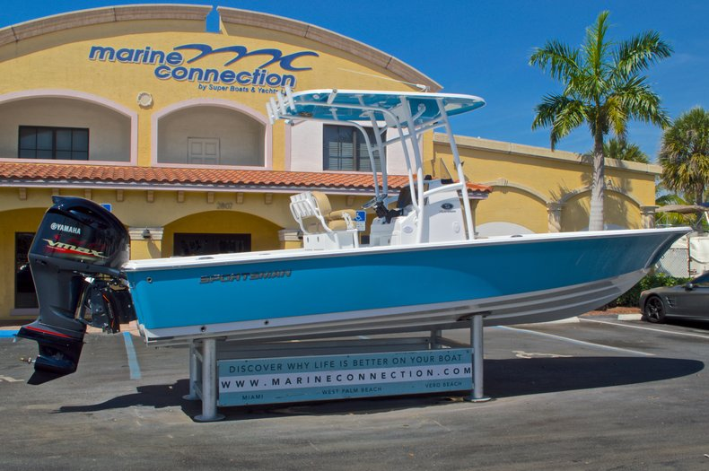 Thumbnail 8 for New 2016 Sportsman Masters 247 Bay Boat boat for sale in West Palm Beach, FL