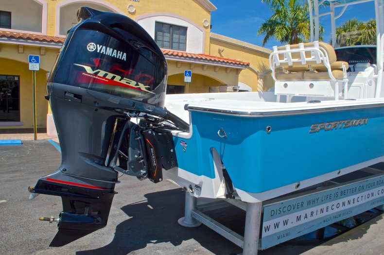 Thumbnail 10 for New 2016 Sportsman Masters 247 Bay Boat boat for sale in West Palm Beach, FL