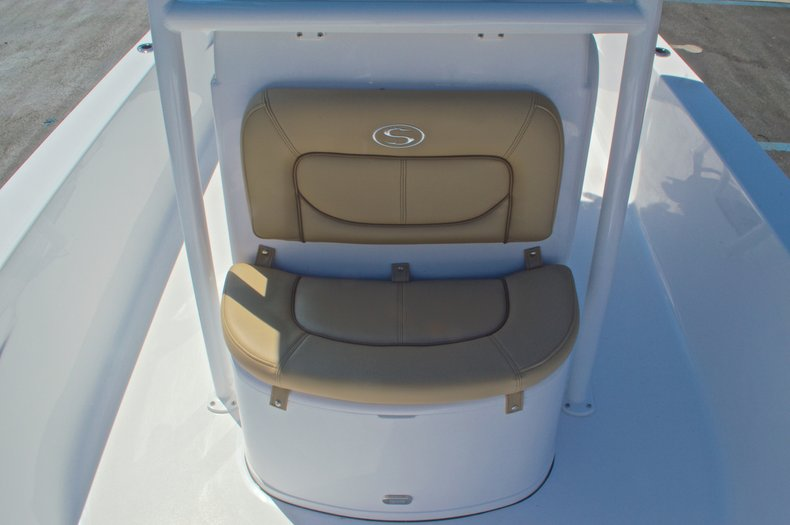 Thumbnail 41 for New 2016 Sportsman Masters 247 Bay Boat boat for sale in West Palm Beach, FL