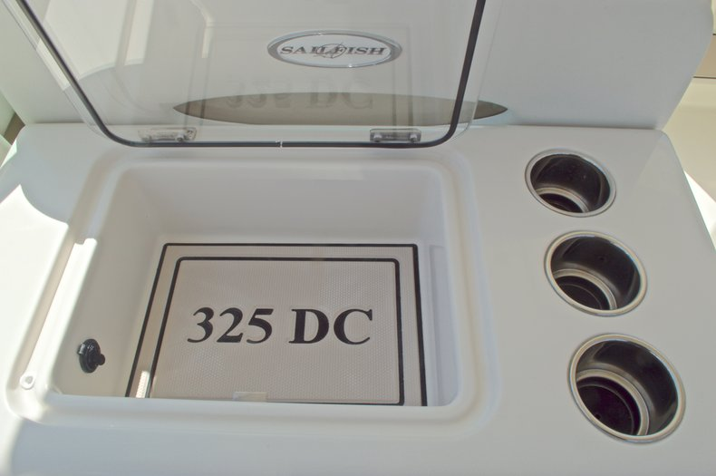 Thumbnail 44 for New 2016 Sailfish 325 Dual Console boat for sale in West Palm Beach, FL