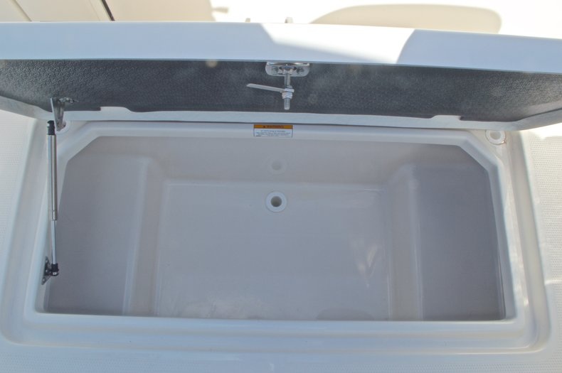 Thumbnail 28 for New 2016 Sailfish 325 Dual Console boat for sale in West Palm Beach, FL