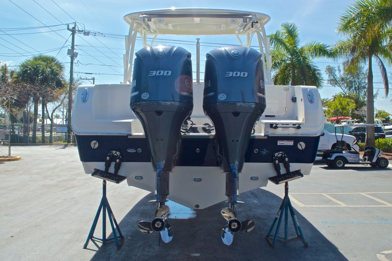 Thumbnail 2 for New 2016 Sailfish 325 Dual Console boat for sale in West Palm Beach, FL