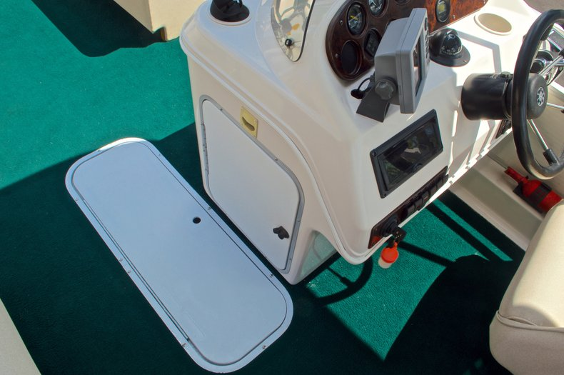 Thumbnail 20 for Used 1997 Hurricane Fun Deck 196LC boat for sale in West Palm Beach, FL