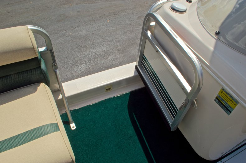 Thumbnail 27 for Used 1997 Hurricane Fun Deck 196LC boat for sale in West Palm Beach, FL
