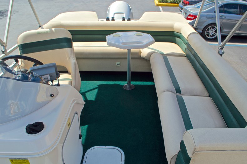 Thumbnail 10 for Used 1997 Hurricane Fun Deck 196LC boat for sale in West Palm Beach, FL