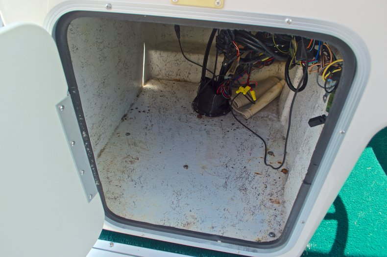 Thumbnail 22 for Used 1997 Hurricane Fun Deck 196LC boat for sale in West Palm Beach, FL