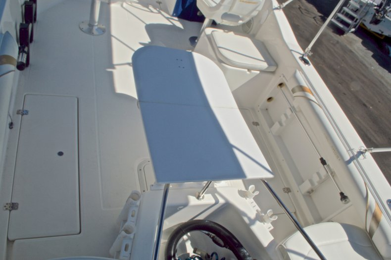 Thumbnail 14 for Used 2000 Aquasport 215 Osprey Sport DC boat for sale in West Palm Beach, FL