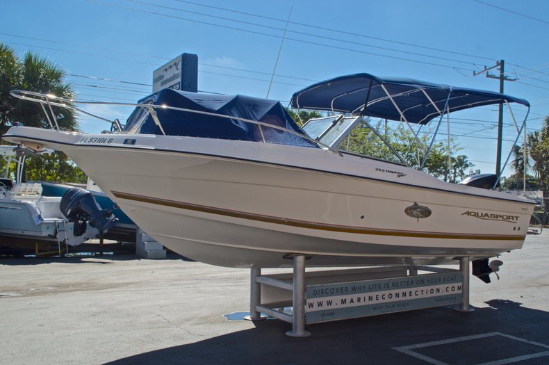 Thumbnail 3 for Used 2000 Aquasport 215 Osprey Sport DC boat for sale in West Palm Beach, FL