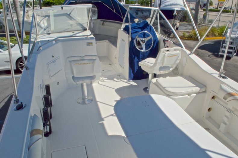 Thumbnail 13 for Used 2000 Aquasport 215 Osprey Sport DC boat for sale in West Palm Beach, FL