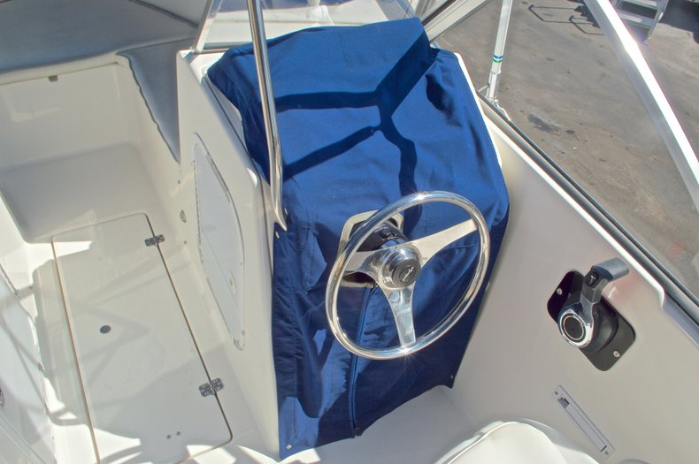 Thumbnail 31 for Used 2000 Aquasport 215 Osprey Sport DC boat for sale in West Palm Beach, FL