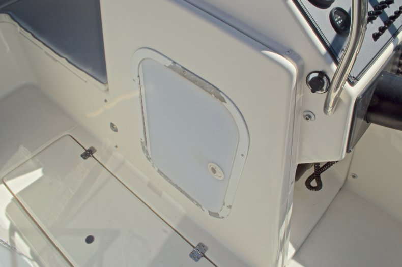 Thumbnail 38 for Used 2000 Aquasport 215 Osprey Sport DC boat for sale in West Palm Beach, FL