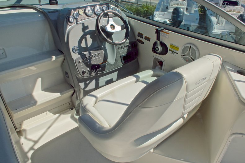 Thumbnail 26 for Used 2007 Maxum 2400 SE boat for sale in West Palm Beach, FL